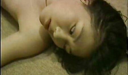 Con grande дойками video porno gratis con tettone scopata sul letto
