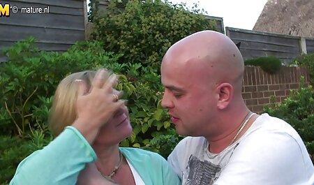 Paffuto signora film porno tettone mature con gli occhiali e grandi tette divertirsi 。