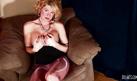Donna matura carica su un caldo quando e xxx lesbiche tettone dove si desidera sulla macchina fotografica con 。