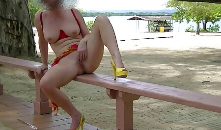 Master massaggia le natiche elastiche di un giovane cliente in olio tette naturali video prima del sesso sulla panca da massaggio