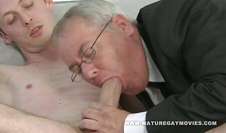 Телочка ottiene sperma nel buco anale sesso in finale con un Partner in una video grosse tette stanza buia