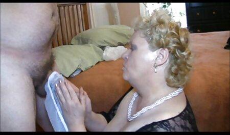 Leggy video belle tettone bionda si masturba sulle scale prima Facesitting e sesso in diverse pose