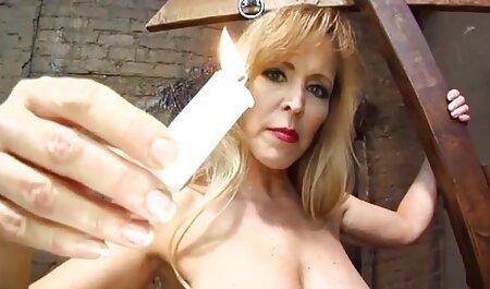 Giovani bambole video porno di tettone italiane con tette piccole sostituendo Anale sotto grosso cazzo alternativamente