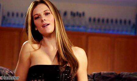 Giovane film porno donne tettone bellezza con grandi tette cazzo anale con gli occhi chiusi