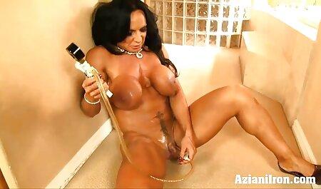 Una donna video hard tettona matura in calze gode di fatti in casa sesso anale a quattro zampe