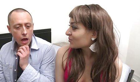 Giovane латинка prende un pompino profondo prima di fare sesso in varie pose film porno tette grandi