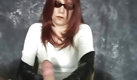 La giovane donna capisce, mostra e pratica l'atto belle tettone video gratis di bilanciamento incredibilmente совокуплением sulla fotocamera
