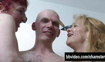 Титястая bionda piace cavalcare il pene ебаря e masturbato nelle sue mani tette grandi xxx