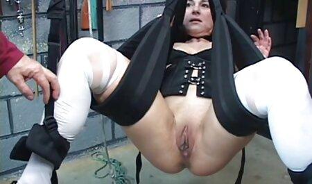 Madre scopa con i capelli neri film grandi tette in due tronco nel corso di межрасового Sesso