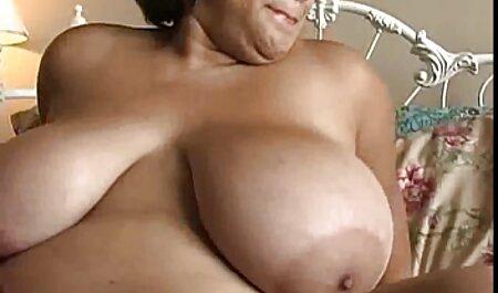 Sexy милфа cazzo video porno di tettone italiane punito un giovane Partner