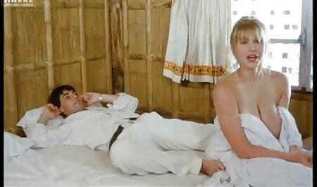 Uomo неудовлетворенную милфу scopa in calze sul video porno di super tettone letto nel pomeriggio