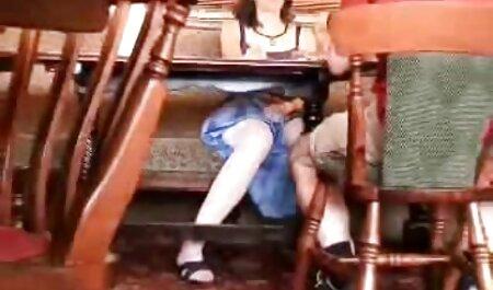 Affascinante bionda Briana Banderas con tettone naturali xxx fiducia scopa sulla macchina fotografica