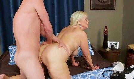 Coppia russa poggia sul letto film porno gratis di tettone e impegnati in posa Sesso Vaginale, Art rider e missionario