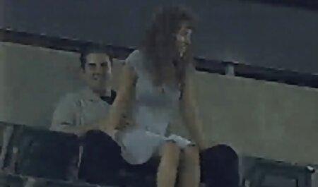 Giovane ragazza bionda donne tettone video lecca grosso cazzo nero prima di gara Sesso