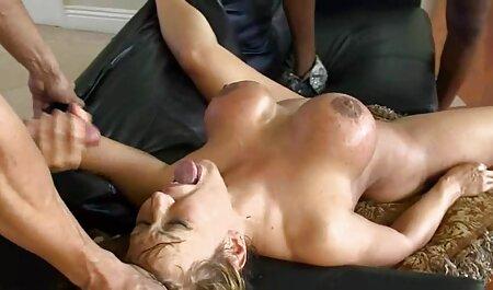 In hotel avaro ragazzo succhia il video nonne tettone cazzo e si prepara per l'eiaculazione