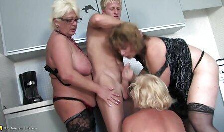 Rossa mamma in calze scopa film porno tettone naturali con un grosso cazzo dopo Cooney e pompino gola