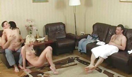 La ragazza era sul cazzo e carino film porno con tettone пососала lui con lei 。