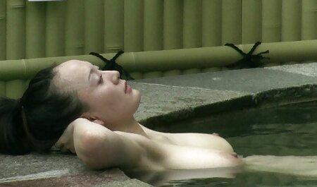 Thai ragazza film porno con tette grosse geme da Doppia penetrazione in figa e punto stretto