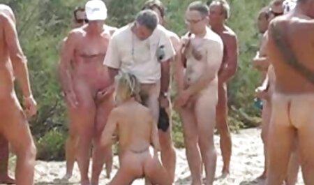 Латинка e biondo con grande video erotici tettone culo massa massaggiatore su un terzetto con мейсситингом