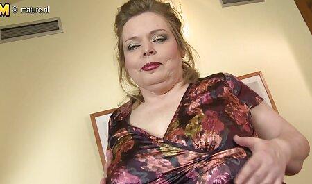 Ошалелая ragazza sesso in POV scena film porno donne tettone nel furgone