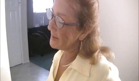 Giovane кудесница masturba peloso micio con dita in anteriore di Il video porno gratis super tettone Dilettante macchina fotografica