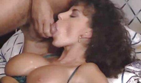 Leggy bellezza godendo Doppia penetrazione attraverso un video tette grosse buco in collant