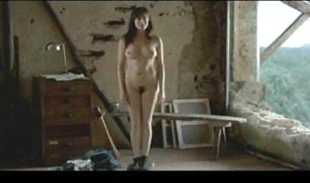 Il giovane signora prende ланьет e marche un ripido video porno di tettone Pompino Partner in 69