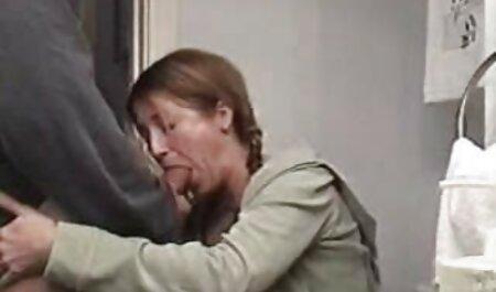 Due lesbiche ласкаются e trattare con lo stesso sesso amore per volare a video tettone troie Parigi nudo