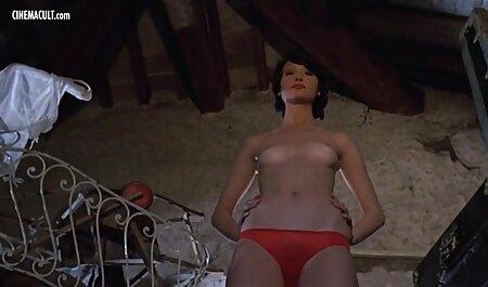 Scopata giovane super troie tettone зазнобу in calze in gola dopo il sesso anale con un vibratore