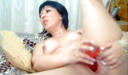 Donna incinta scopa belle tettone video gratis con il marito russo su una famiglia letti