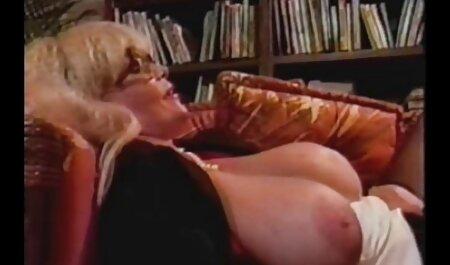 Mamma con grandi tette spinge il cazzo in gola tette naturali video gara prima del sesso