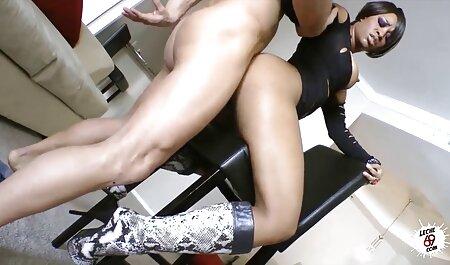 Sesso Vaginale stridulo bionde e ordinata donne tettone video partner sul letto insieme