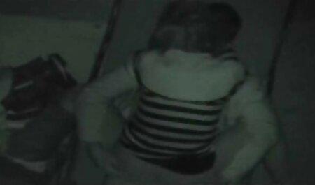 Il giovane sportswoman marche Deepthroating ottimo member di il compartecipazione video gratis grandi tette servitù di sperma