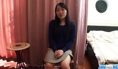 Giovane lesbiche engaged Fisting dopo massaggio con il application di video tettone pelose olio
