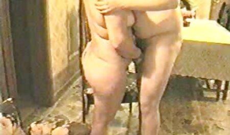 Giovane bionda scopa con un tettone video gratuiti lungo membro dopo aver eseguito il massaggio pompino gola