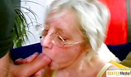 Cocente bruna venti anni film porno tette enormi fa pompino giocattoli del sesso prima della masturbazione